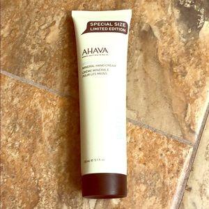 AHAVA Deadsea Water Mineral Hans Cream